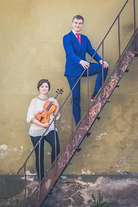 Johanna Vahermägi (vioola) ja Johan  Randvere (klaver)