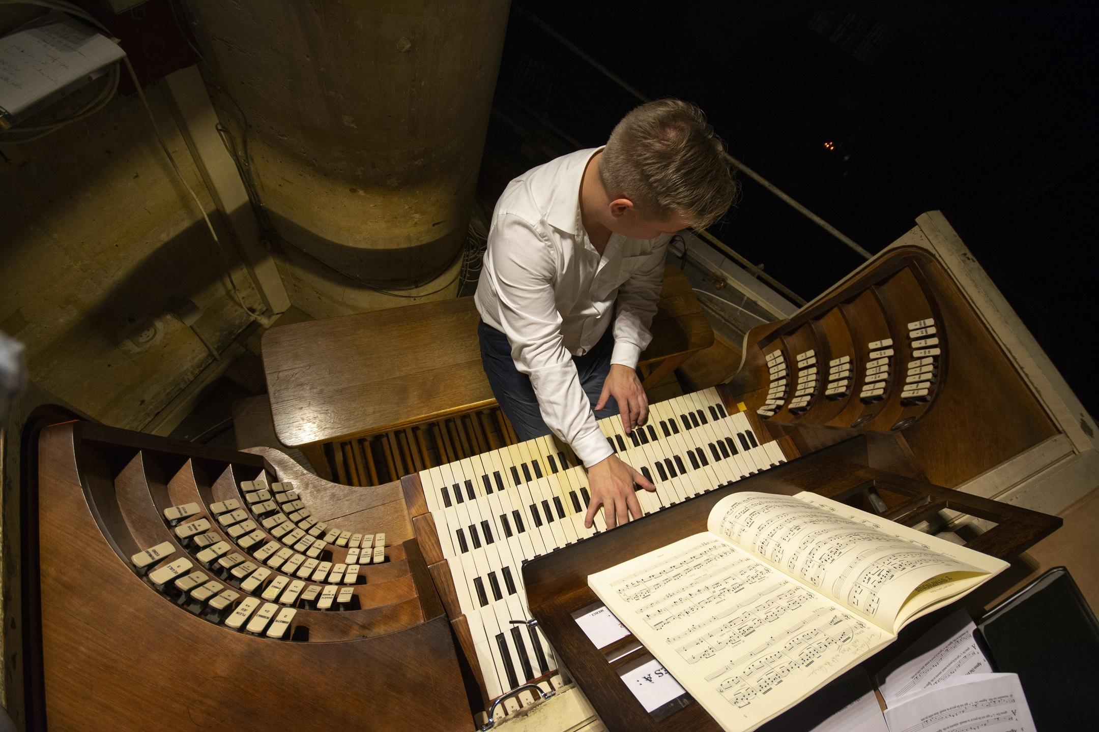 Oreli maagia I: Tallinna Filharmoonia 25